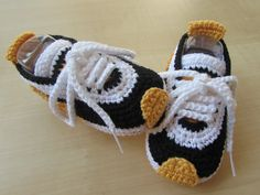 Best Images About Free Crochet Baby Booties Patterns Crochet Baby Boots, Crochet Baby Clothes, Crochet For Boys, Crochet Shoes, Crochet Slippers, Cute Crochet, Baby Shoes Pattern, Baby Patterns, Crochet Patterns