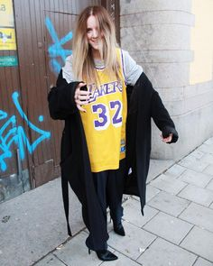 """380 gilla-markeringar, 14 kommentarer - Carin McCormac (@carinmccormac) på Instagram: """"how's your day going? to shit? throw on a sports jersey to make it better #issues"""""""