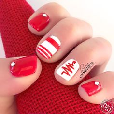 Retro Red Christmas | Being Genevieve Step by step picture tutorial on how to paint these nails.