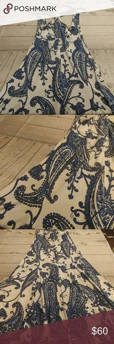 MICHAEL KORS DRESS Gorgeous Contrast of Navy & White Nice Flowing Dress Polyester/ Spandex Michael Kors Dresses Midi