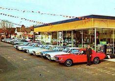 Vintage Ford Dealership Row of New Mustangs Ford Mustang 1965, Ford Mustang For Sale, Mustang Fastback, Mustang Cars, Ford Mustangs, Used Car Lots, Vintage Mustang, Classic Mustang, Mustang Convertible