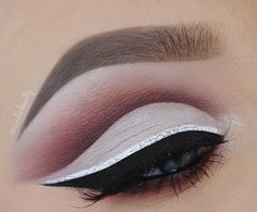 If you have green eyes dark shadows use exclusively for contouring your eyes.