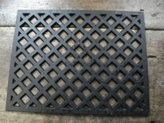 Cast iron air vent doubles up nicely as a BBQ grill (Well's reclamation) Bread Oven, Air Vent, Bbq Grill, Upcycled Furniture, Diamond Pattern, Cast Iron, Brick, Doors, Garden