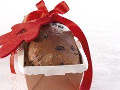 Suklaaleipä on ikimuistoinen makuelämys parhaimmillaan. Leivo taikinaan suklaarouhetta, kypsennä rakkaudella ja tarjoa valmista leipää voimakasaromisen juuston kanssa. Suklaaleipä on myös erinomainen ruokalahja.