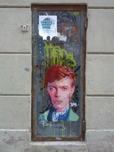 David Bowie - Pinterest, Barrio de Gracia, Barcelona. - http://streetiam.com/david-bowie-urban-art-barrio-de-gracia-barcelona/