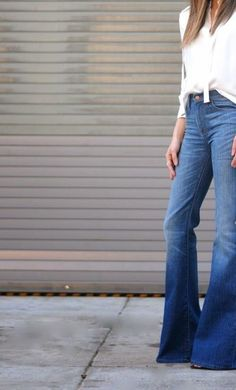 Go for skinny flares this season - they looks great with a white shirt | Image via pinterest.com