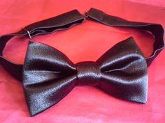 Black silky bowties 8 $ adult kids 5 $