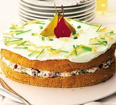 Cassta Siciliana. Sponge cake with ricotta filling and dried fruits topped with an icing. Yum! #cassatasiciliana #sicilianrecipes #sicilia #sicily