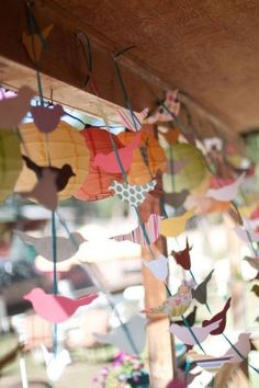 paper birds on string for spring window display. Would be cute with bees too Arts And Crafts, Paper Crafts, Diy Crafts, Spring Window Display, Window Displays, Diy Girlande, Origami Bird, Diy Origami, Paper Birds