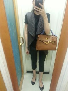 OOTD 21/08/2013 -- Gucci T-shirt, Pleats Please by Issey Miyake vest and pants, black leather flats, Hermes Kelly 32 bag gold. #PleatsPlease #IsseyMiyake #HermesKelly