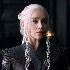 Discovered by khaleesi. Find images and videos about gif, game of thrones and got on We Heart It - the app to get lost in what you love. Game Of Thrones Rpg, Game Of Thrones Dragons, Game Of Thrones Characters, Disney Instagram, Instagram Girls, Khaleesi, Daenerys Targaryen, Avatar, Emelia Clarke