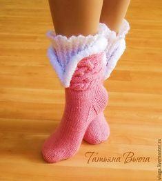 Купить Русские сезоны. Носки вязаные, шерстяные носки, подарок ручной работы - розовый Lace Knitting, Knitting Socks, Knit Crochet, Crochet Designs, Crochet Patterns, Cute Slippers, Wool Socks, Crochet Flowers, Leg Warmers