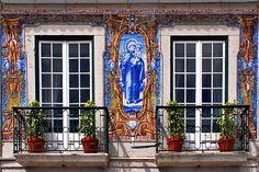 Windows of Cascais