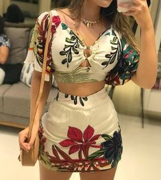 Chic Outfits, Spring Outfits, Latest Fashion Trends, Girl Fashion, Short Dresses, Clothes For Women, Tops, Instagram, Style