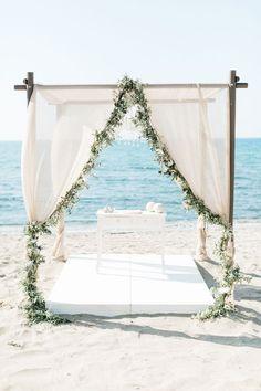 Aisle Runner Wedding, Beach Wedding Reception, Beach Wedding Photos, Beach Wedding Decorations, Greek Wedding, Beach Weddings, Wedding Themes, Hindu Weddings, Cancun Wedding
