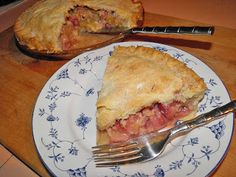 Save your fork. There's pie! Old-fashioned Strawberry-Rhubarb Pie