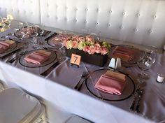 CBV250 Riviera Maya Wedding light pink, ivory and green roses and hydrangea in brown color wood vases, centerpieces / centro de mesa con rosas en base de madera café