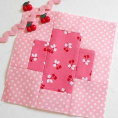 Block 147 - Summer Days. A sweet little patchwork block from Tula Pink's City Sampler book.