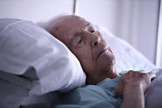 De fleste ældre har lyst til og brug for at tale om døden, når den nærmer sig, og det er vigtigt, at de ældre bliver hørt, når plejen i den sidste tid skal planlægges.