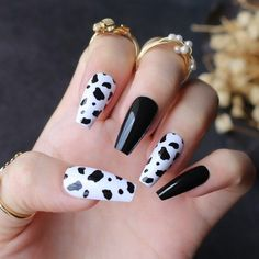 Acrylic Nails Coffin Short, Best Acrylic Nails, Coffin Nails, Stylish Nails, Trendy Nails, Faux Ongles Gel, Ballet Nails, Cow Nails, Zebra Nails