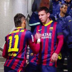 Neymar and Messi Football Gif, Soccer Fans, Football Players, Soccer Boyfriend, Lionel Messi Family, Neymar Brazil, Neymar Pic, Barcelona Team, Messi And Neymar