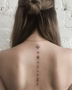 Back tattoos of a woman; Little prince tattoos; Back tattoos Trendy Tattoos, Sexy Tattoos, Small Tattoos, Girl Tattoos, Tatoos, Tattoos For Women Classy, Tatuajes Tattoos, Yoga Tattoos, Body Art Tattoos