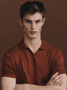 Men´s Collection at Massimo Dutti online. Burberry Men, Gucci Men, Polo Shirt Style, Safari Jacket, Man Photography, Lakme Fashion Week, Calvin Klein Men, Gentleman Style, Pretty Boys