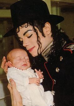 Michael Jackson 1992 Romanian Orphanage Visit <3 He always loved babies and all children of the world ღ https://pt.pinterest.com/carlamartinsmj/