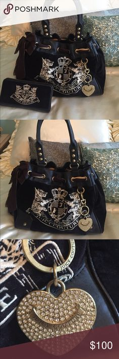 Juicy Couture Daydreamer Bag and Wallet Juicy Couture Daydreamer Bag and Wallet. Both in great used condition! Bought brand new from outlet. Some pencil marks on inside of main bag.  Feel free to ask questions! Juicy Couture Bags Shoulder Bags