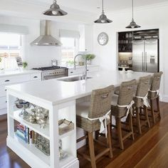 Eat-In Kitchen Island. #DeltaFaucetInspired #Touch2O