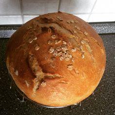 Kváskový chlieb pre začiatočníkov • recept • bonvivani.sk Bread, Food, Brot, Essen, Baking, Meals, Breads, Buns, Yemek