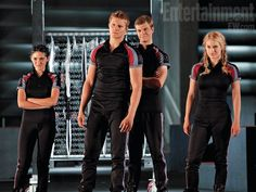 Isabelle Fuhrman (Clove), Alexander Ludwig (Cato), Jack Quaid (Marvel), and Leven Rambin (Glimmer). The careers. Oh they're so confident. hehehe...