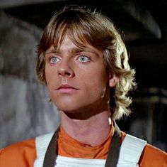 Young Luke skywalker - Star Wars Family - Ideas of Star Wars Family - Young Luke skywalker Finn Star Wars, Star Wars Cast, Mark Hamill Luke Skywalker, Star Wars Luke Skywalker, Mark Hamill Young, Personalidad Infp, Starwars, Cuadros Star Wars, Star Wars Icons