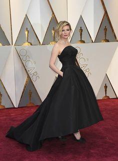 Kirsten Dunst Dior en los Oscars 2017.