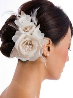 Wedding Hair Pictures - Page 17 Wedding Hair Pictures, Wedding Hair Up, Wedding Hair Flowers, Flowers In Hair, Wedding Updo, Elegant Hairstyles, Up Hairstyles, Wedding Hairstyles, Hair Images