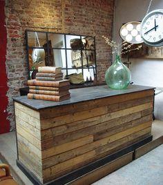 Comptoir de commerce en bois