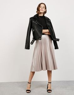 'Shine like a Star' pleated skirt. Discover this and many more items in Bershka with new products every week
