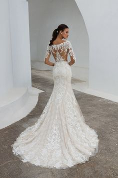 2018 destination wedding dresses by Justin Alexander. 2018 destination wedding dresses by Justin Alexander.-- Begin Yuzo --><!-- without result -->Related Post Your feet with a powdered sugar mask – Hatun. Wedding Dress Pictures, Black Wedding Dresses, Romantic Wedding Dresses, Red And White Weddings, Modest Wedding, Wedding Photos, Bridal Gowns, Wedding Gowns, Lace Wedding