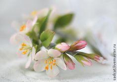 Свадебные украшения ручной работы. Ярмарка Мастеров - ручная работа Браслет для невесты с цветами яблони.. Handmade.
