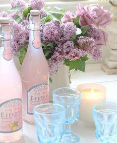 Efferve Pink Lemonade with beautiful blue glasses.♥♥ So pretty! Spring Wedding, Dream Wedding, Baby Wedding, Spring Party, Wedding Fun, Wedding Table, Wedding Decor, Vibeke Design, Fru Fru