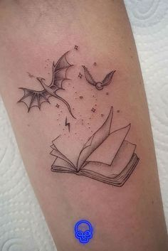 Dainty Tattoos, Dope Tattoos, Pretty Tattoos, Mini Tattoos, Body Art Tattoos, Small Tattoos, Tatoos, Delicate Tattoos For Women, Random Tattoos