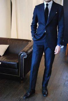 Tailor Made Navy Blue Groom Tuxedos Slim Fit Mens Wedding Party Suits Bridegroom Groomsman Suit(Jacket+Pants)terno costume homme Costume Marin, Mode Costume, Fashion Mode, Suit Fashion, Mens Fashion, Sharp Dressed Man, Well Dressed Men, Smoking Azul, Costumes Bleus