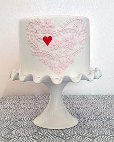 Heart of Pastel Pink Flowers Single-Tier Cake