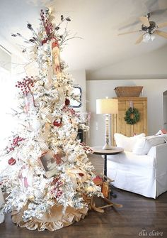 Cozy vintage red and White Christmas Decor | Ella Claire
