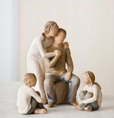 Willow Tree You & Me (parents only). I love these figurines Willow Tree Familie, Willow Tree Engel, Willow Tree Figuren, Tree People, Presents For Mom, How To Pose, Friends In Love, Karaoke, Children