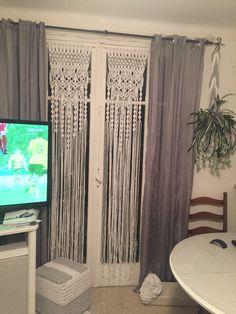 best 25 macrame curtain ideas on bead Decor, Diy Decor, Bedroom Decor, Curtains, Home, Diy Drapes, Macrame Curtain, Home Decor, Furniture Decor