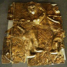 A gilded silver belt fragment Cioara – Alba County dated La Tene depicts warriors wearing bracelets European Tribes, Call Art, T Art, Ancient Jewelry, Ancient Civilizations, Ancient History, Picts, Antiquities, Jewelries