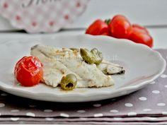 Filetti di orata alla mediterranea - una ricetta per un secondo piatto veloce, leggero e sano da preparare in pochi minuti.