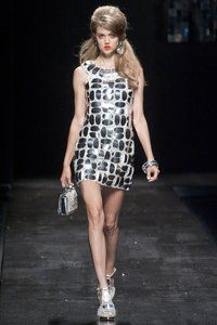 The hair! (Moschino Spring 2013 RTW Collection - Fashion on TheCut)