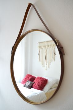 Make it boho : DIY | Minimalistisches Stauraumbett Diy Furniture For Small Spaces, Hanging Chair, Diy Tutorial, Bedroom, Table, Boho, Inspiration, Home Decor, Bed With Drawers